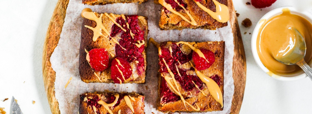 Peanut Butter & Raspberry Blondies