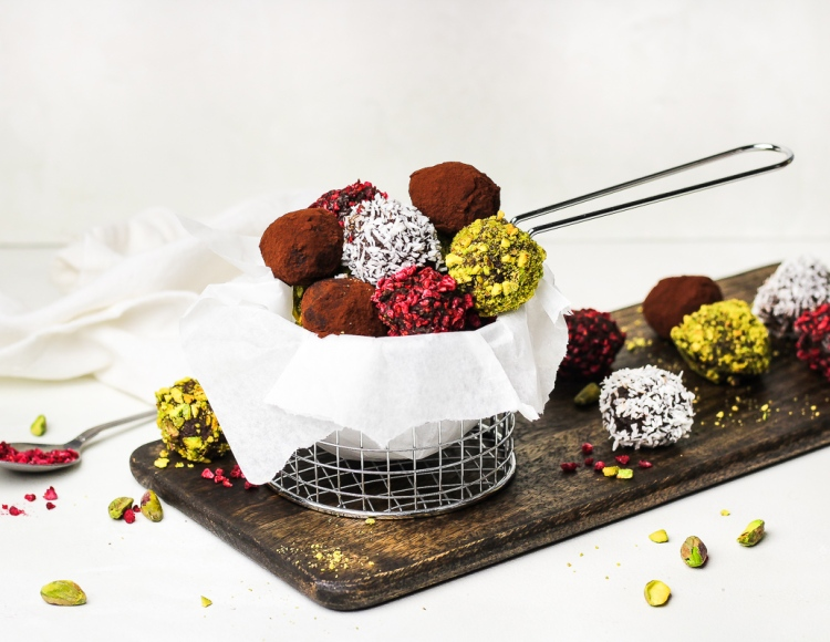 Healthy Chocolate Easter Truffles