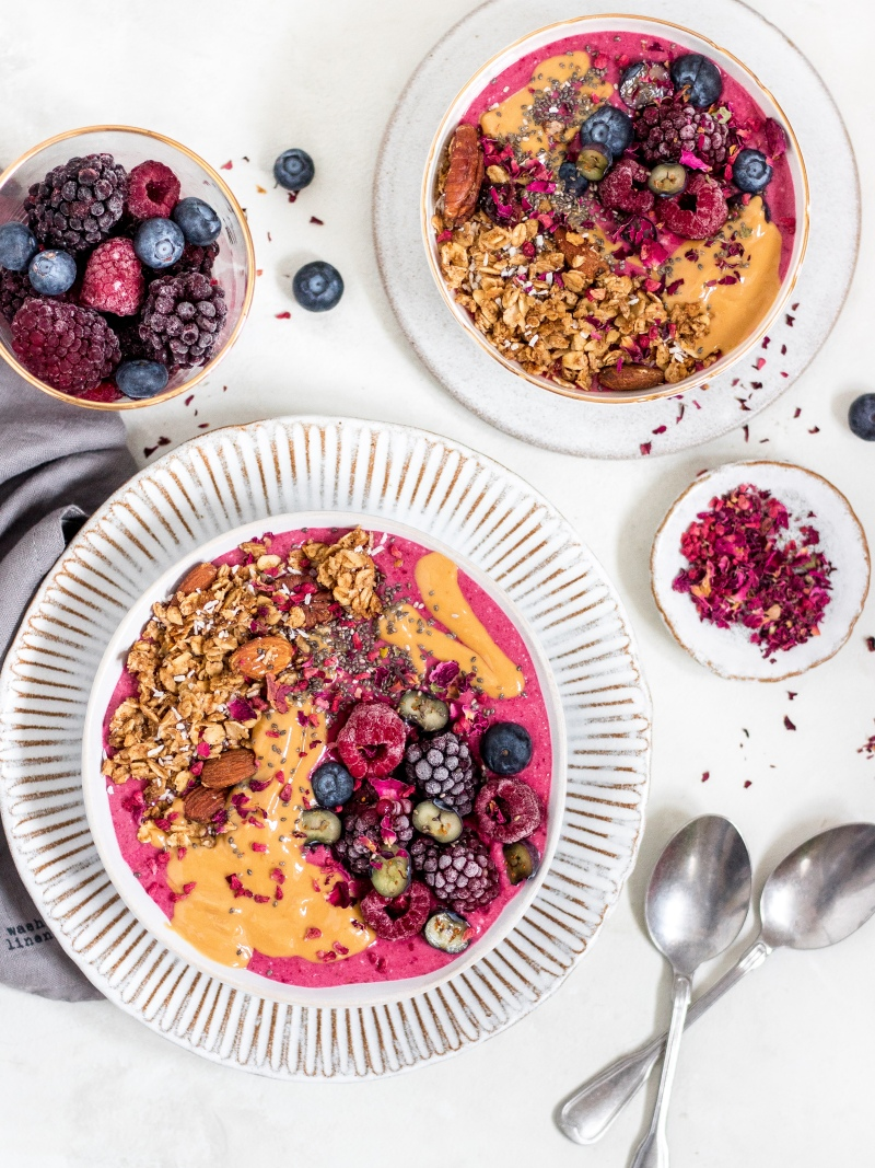 Winter berry smoothie bowl